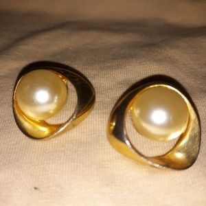 Vintage Pearl and Gold-toned Post-back Earrings